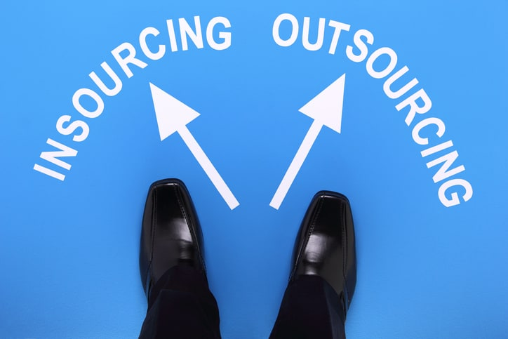 Procurement Insourcing vs Outsourcing